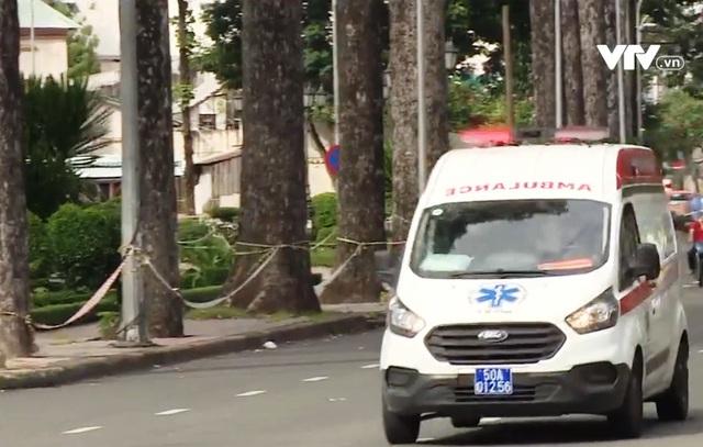 TP Hồ Chí Minh tăng cường xe cấp cứu từ nhiều nguồn lực - Ảnh 1.