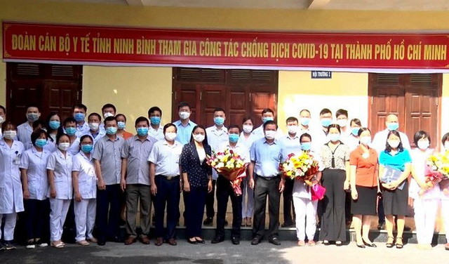 Ninh Binh Provinces leaders and medical workers assisting Ho Chi Minh City. (Photo: NDO)