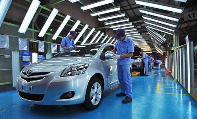 Thị trường ô tô Việt Nam sụt giảm kỷ lục trong lịch sử vì COVID-19 - Ảnh 2.