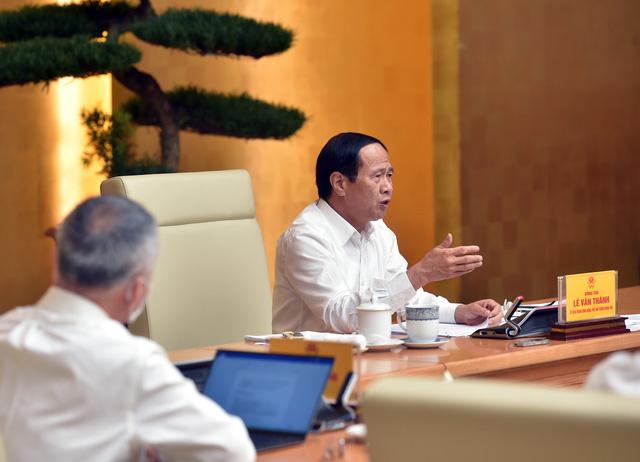 Phó Thủ tướng Lê Văn Thành: Không ban hành thêm quy trình, thủ tục, giấy phép gây cản trở lưu thông hàng hóa - Ảnh 1.