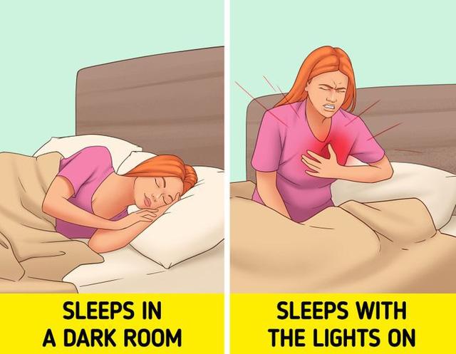 """Những tác hại nghiêm trọng nếu """"bật đèn sáng"""" khi đi ngủ? - Ảnh 1."""