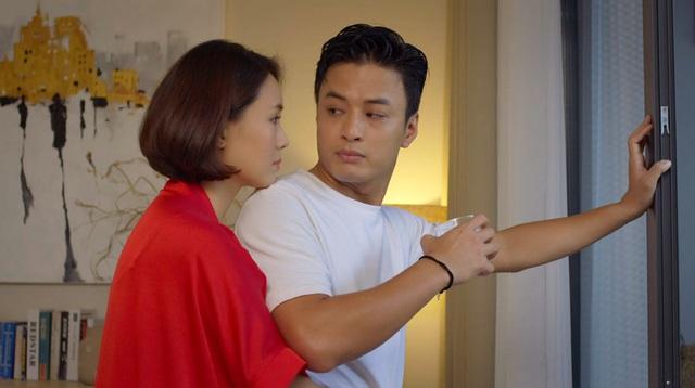 Thời trang đồ ngủ trên phim của Phương Oanh, Hồng Diễm cùng các nữ diễn viên - Ảnh 2.