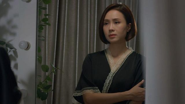 Thời trang đồ ngủ trên phim của Phương Oanh, Hồng Diễm cùng các nữ diễn viên - Ảnh 4.