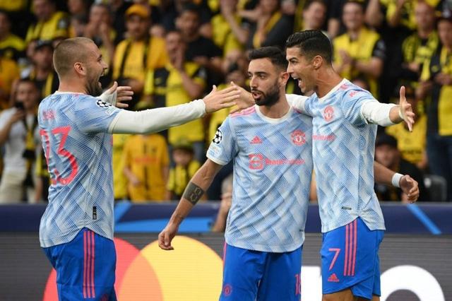 Ronaldo ghi bàn, Manchester United vẫn thua sốc trước Young Boys - Ảnh 1.