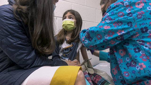Chuyện nóng tuần qua: Vaccine, Thẻ xanh COVID-19 và Trung Quốc siết văn hóa lệch chuẩn - Ảnh 1.