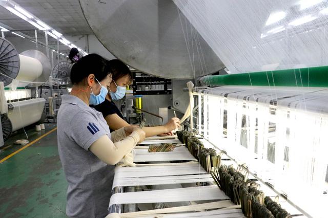 """Thủ tướng: Việt Nam luôn đồng hành cùng doanh nghiệp, """"lợi ích hài hòa, rủi ro chia sẻ"""" - Ảnh 2."""