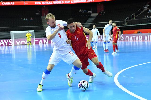 Xuất sắc giành quyền vào vòng 1/8, ĐT futsal Việt Nam được thưởng lớn - Ảnh 2.