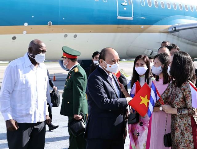 Chủ tịch nước đến La Habana, bắt đầu thăm chính thức Cuba - Ảnh 1.