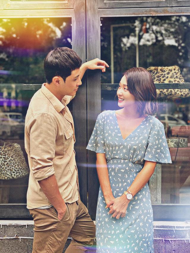 11 tháng 5 ngày: Thanh Sơn - Khả Ngân ngọt ngào từ trên phim đến hậu trường - ảnh 1