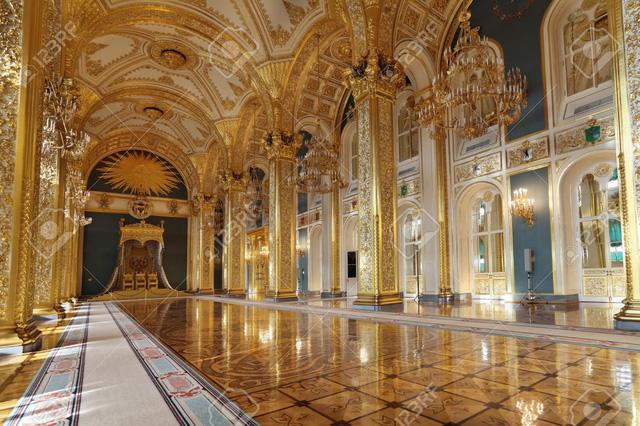 Chiêm ngưỡng 10 cung điện lỗng lẫy nhất thế giới - Ảnh 1.