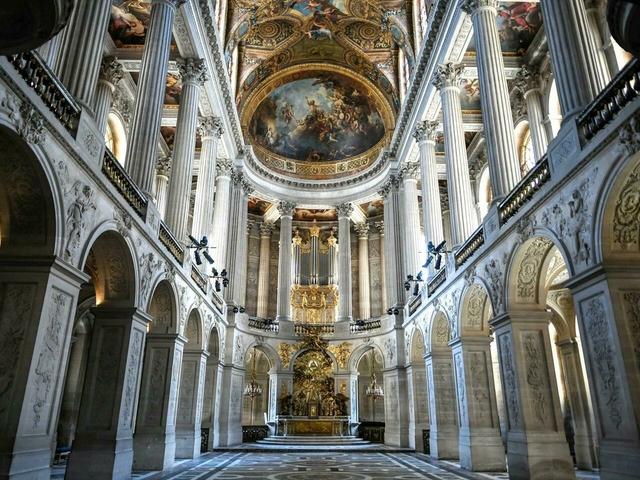 Chiêm ngưỡng 10 cung điện lỗng lẫy nhất thế giới - Ảnh 6.