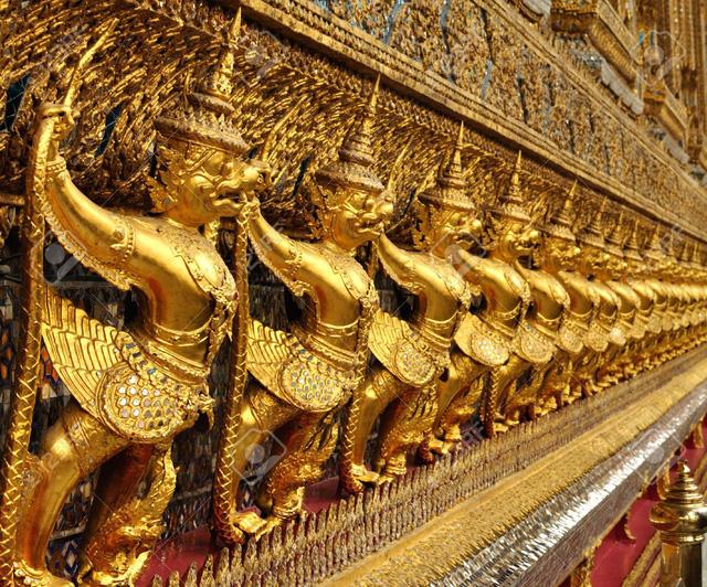 Chiêm ngưỡng 10 cung điện lỗng lẫy nhất thế giới - Ảnh 4.