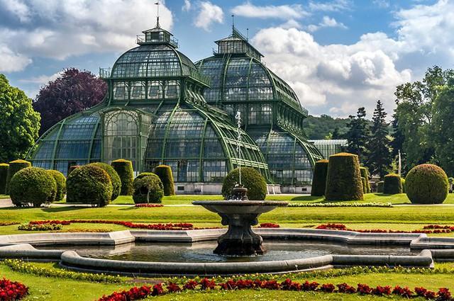 Chiêm ngưỡng 10 cung điện lỗng lẫy nhất thế giới - Ảnh 10.