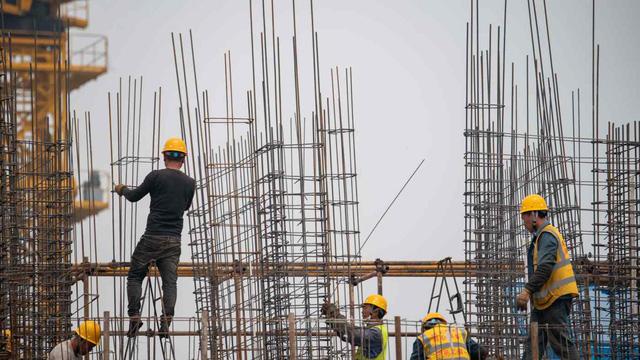 Công nhân xây dựng của Evergrande bị nợ lương nhiều tháng - ảnh 1