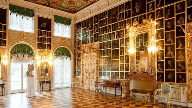 Chiêm ngưỡng 10 cung điện lỗng lẫy nhất thế giới - Ảnh 8.