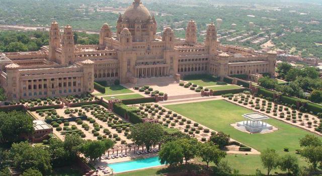 Chiêm ngưỡng 10 cung điện lỗng lẫy nhất thế giới - Ảnh 18.