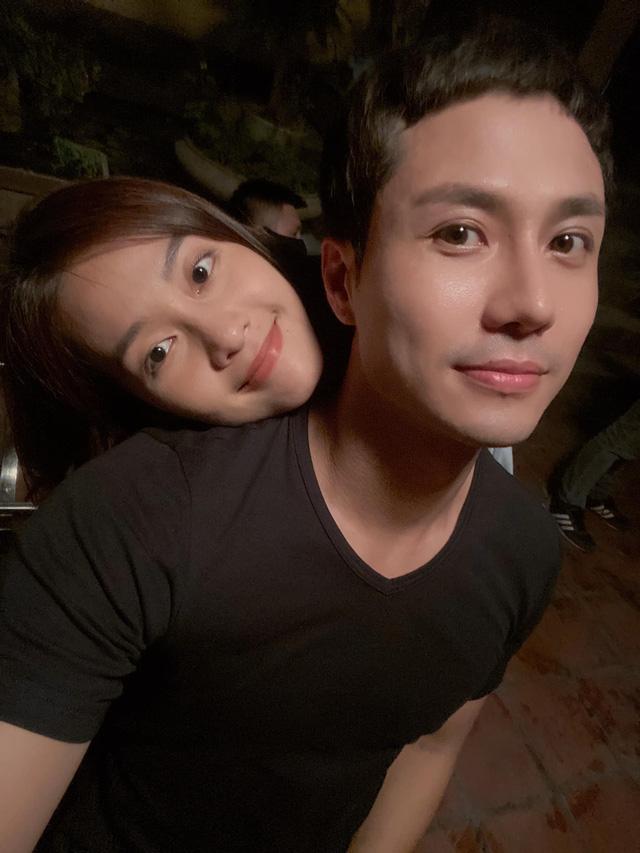 11 tháng 5 ngày: Thanh Sơn - Khả Ngân ngọt ngào từ trên phim đến hậu trường - ảnh 6