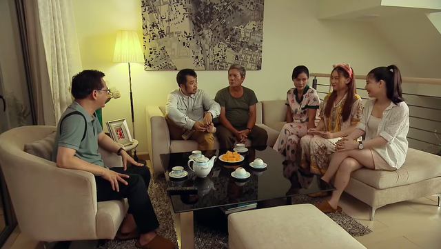 Ngày mai bình yên - Tập 8: Ông Chiến (NSƯT Tiến Minh) đòi anh trai tìm suất ưu tiên tiêm vaccine COVID-19 - ảnh 1