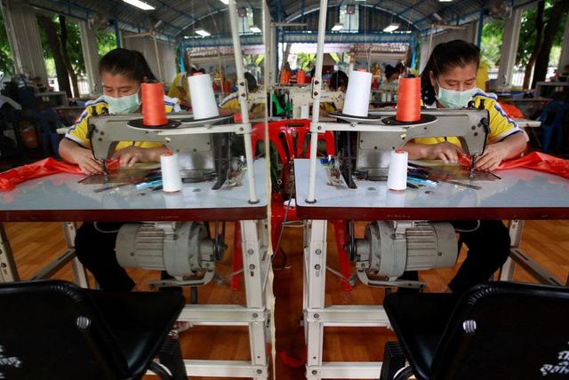 Thái Lan chế tạo đồ bảo vệ chống COVID-19 từ vỏ chai nhựa - ảnh 4