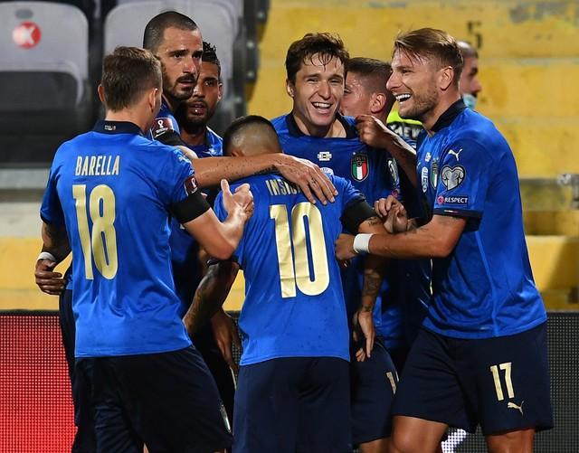 Kết quả vòng loại World Cup khu vực châu Âu: Anh, Đức, Ba Lan tạo mưa bàn thắng! - Ảnh 7.