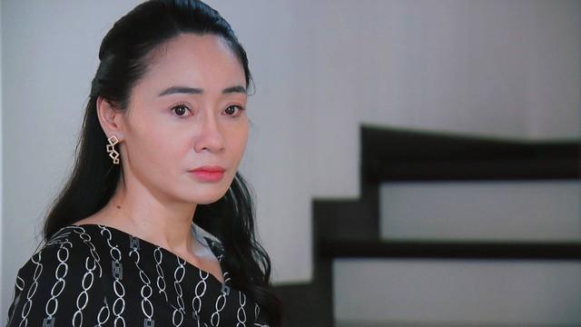 Hương vị tình thân phần 2 - Tập 29: Nam được bố chồng mời về quản lý công ty - Ảnh 10.