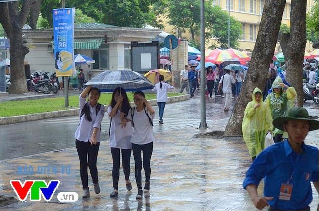 Thi tốt nghiệp THPT 2020 đúng mùa mưa bão, kích hoạt phương án dự phòng khi cần - ảnh 2