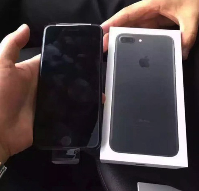 đập Hộp Sớm Iphone 7 Jet Black Và Iphone 7 Plus Black Vtvvn