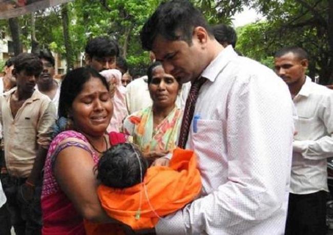 Tranh cãi về nguyên nhân tử vong của 60 trẻ em Ấn Độ - ảnh 2