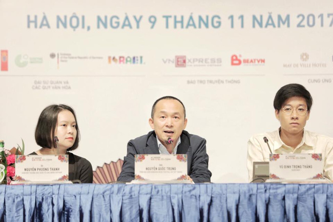 Musician Nguyen Quoc Trung (middle) speaking at the press conference (Photo: Monsoon Music Festival)