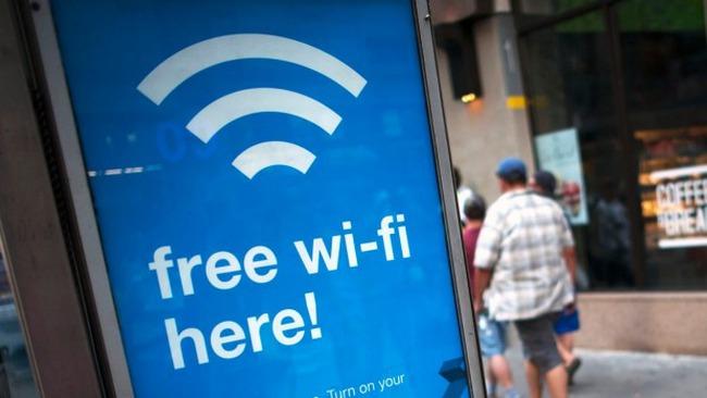 22.000 người vô tình đồng ý... cọ rửa nhà vệ sinh để dùng wifi miễn phí - ảnh 2