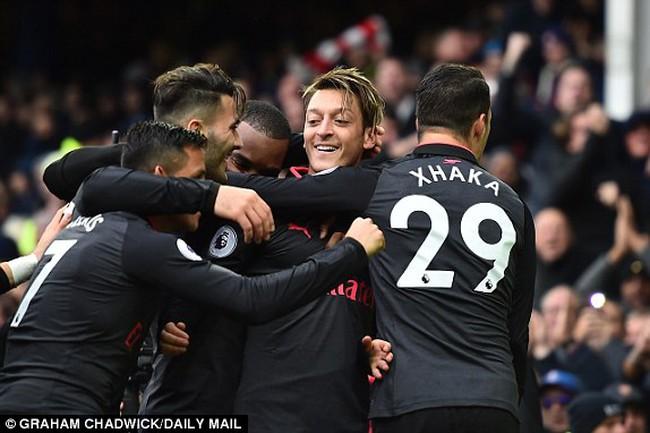 Cùng nhìn lại những điểm nhấn trận Everton 2-5 Arsenal.