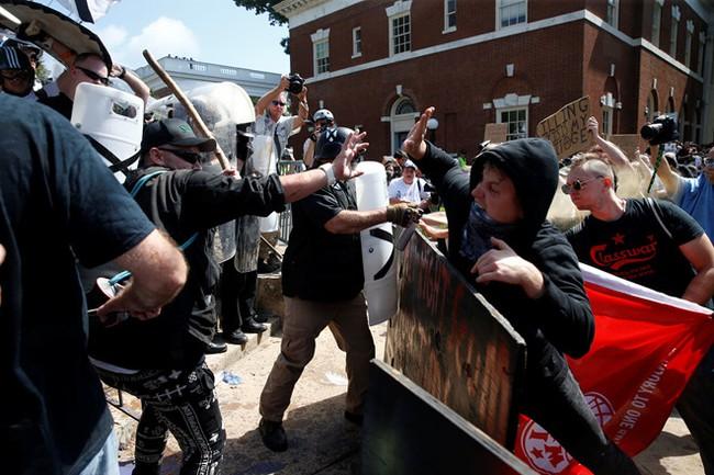 Giới chức Mỹ lên án vụ bạo lực tại bang Virginia - ảnh 2