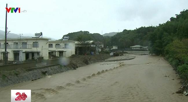 Nhật Bản ban hành cảnh báo cao nhất về bão Talim - ảnh 2