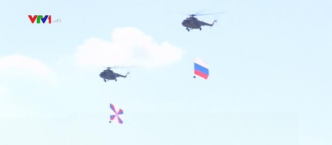 Trình diễn máy bay kỷ niệm 105 năm ngày thành lập lực lượng không quân Nga - ảnh 2