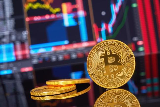 Bitcoin chứng kiến tháng giảm mạnh nhất trong 3 năm - ảnh 1