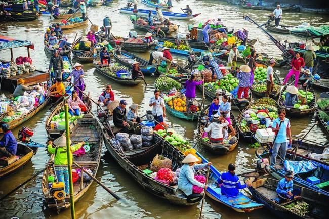 Ngày hội chợ nổi Cái Răng ở Cần Thơ | VTV.VN
