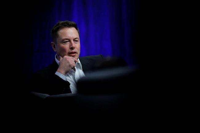 Tỷ phú công nghệ Elon Musk cảnh báo về trí thông minh nhân tạo - ảnh 1