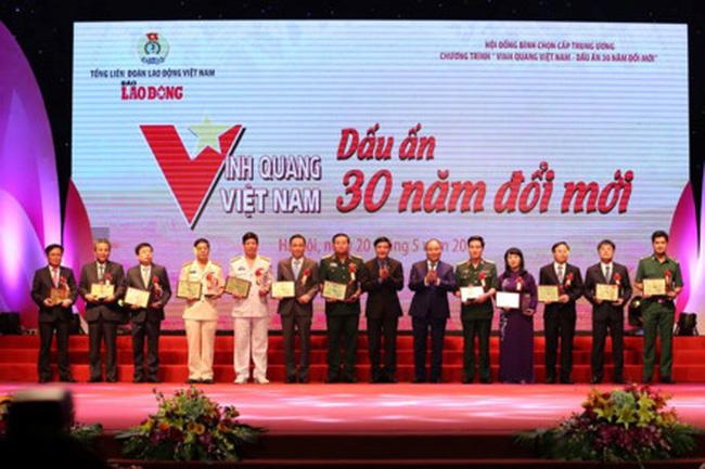 Kết quả hình ảnh cho Vinh quang Việt Nam - Dấu ấn 30 năm đổi mới....