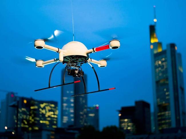 EU công bố kế hoạch quản lý máy bay không người lái - ảnh 1