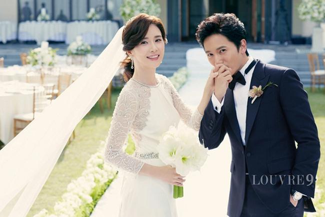 Nụ hôn đầu tiên của Ji Sung - Han Ji Min lên sóng nhưng fan lại gọi hồn Lee Bo Young - Ảnh 2.