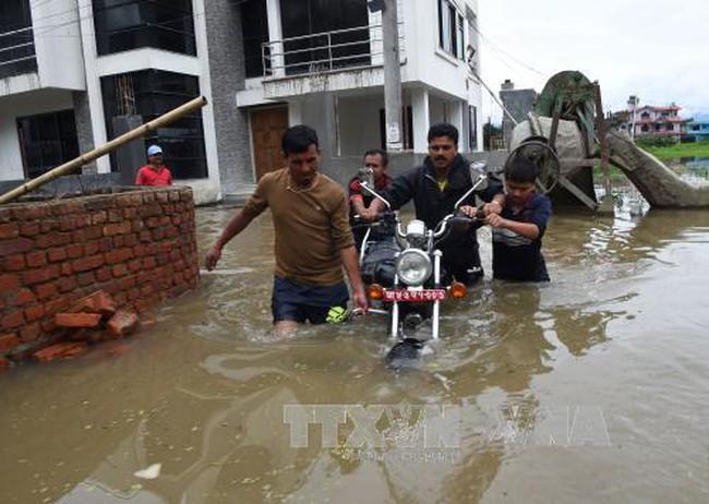 Lũ lụt, lở đất gây thương vong lớn ở Nepal - ảnh 2