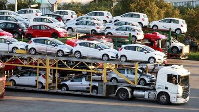 Doanh số bán ô tô tại Việt Nam giảm sâu - ảnh 1