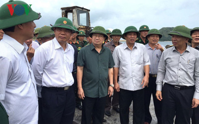 Phó Thủ tướng Trịnh Đình Dũng kiểm tra công tác phòng chống bão - ảnh 2