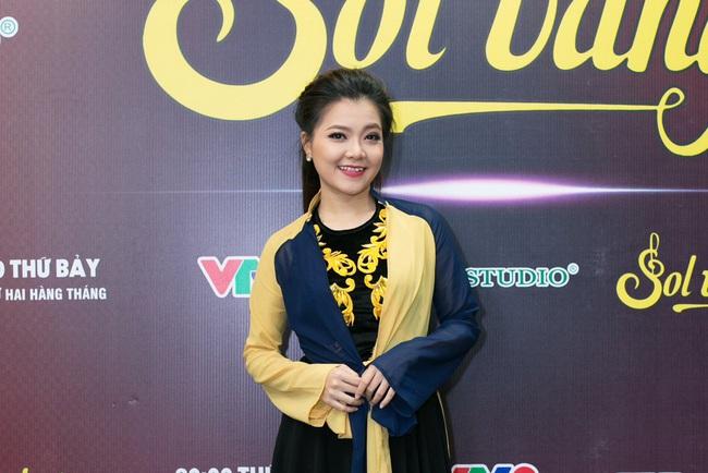 Cựu thành viên Mắt Ngọc khoe vẻ đẹp duyên dáng ở hậu trường Sol Vàng - ảnh 10