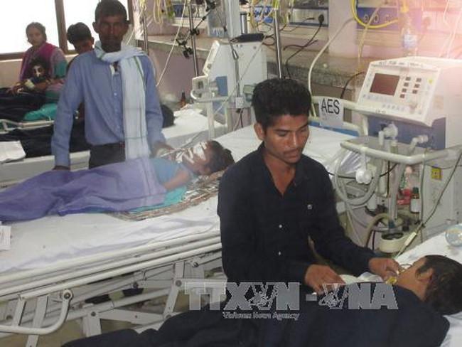 64 trẻ tử vong tại bệnh viện Ấn Độ nghi do thiếu bình thở oxy - ảnh 2