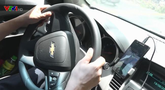 Uber và Grab tăng giá cước - ảnh 2