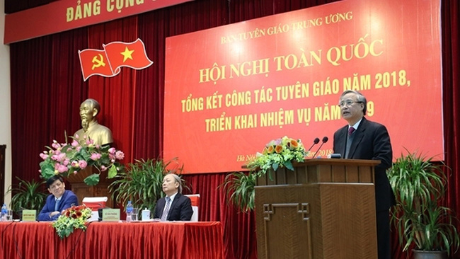 Politburo member and permanent member of Secretariat, Tran Quoc Vuong speaking at the conference (Photo: qdnd.vn)