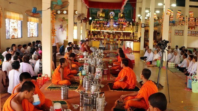 Chol Chnam Thmay, which falls on April 14-16, is one of the most important festivals of Khmer people. (Photo: VNA)