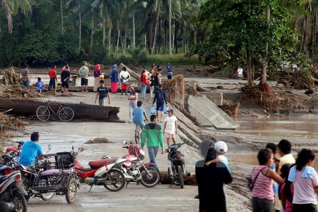 Storm Tembin which hit the Philippines in December left tens of thousands displaced (Source: VNA)