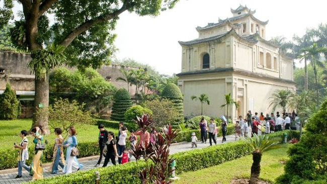 This year, Hanoi aims to welcome more than 25.4 million tourists, including 5.5 million foreigners. (Photo: VGP)